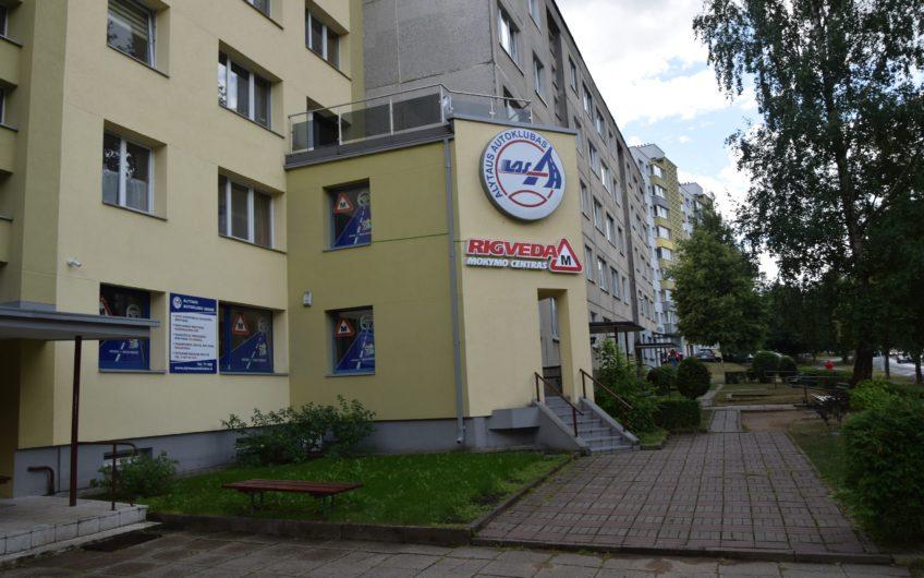 Alytus, Statybininkų g. – komercinės patalpos