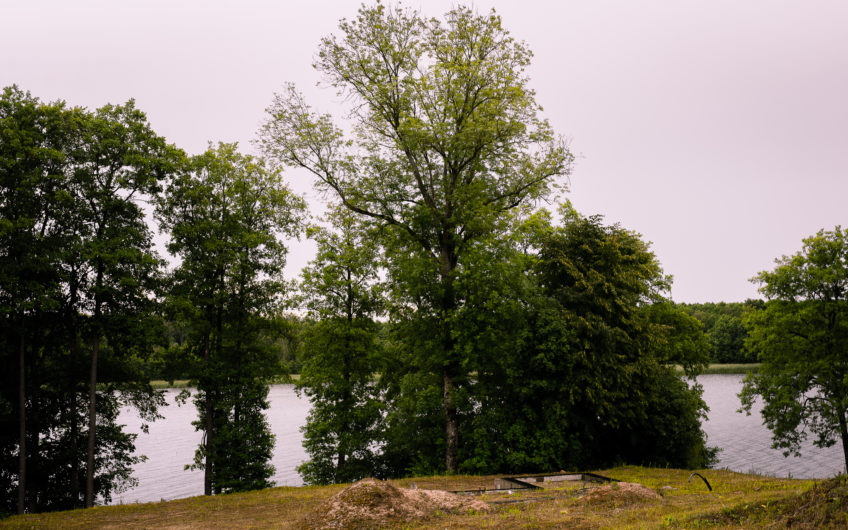 Alytaus raj., Dvarčėnų k., Ežero g. – namas (221 kv. m.)