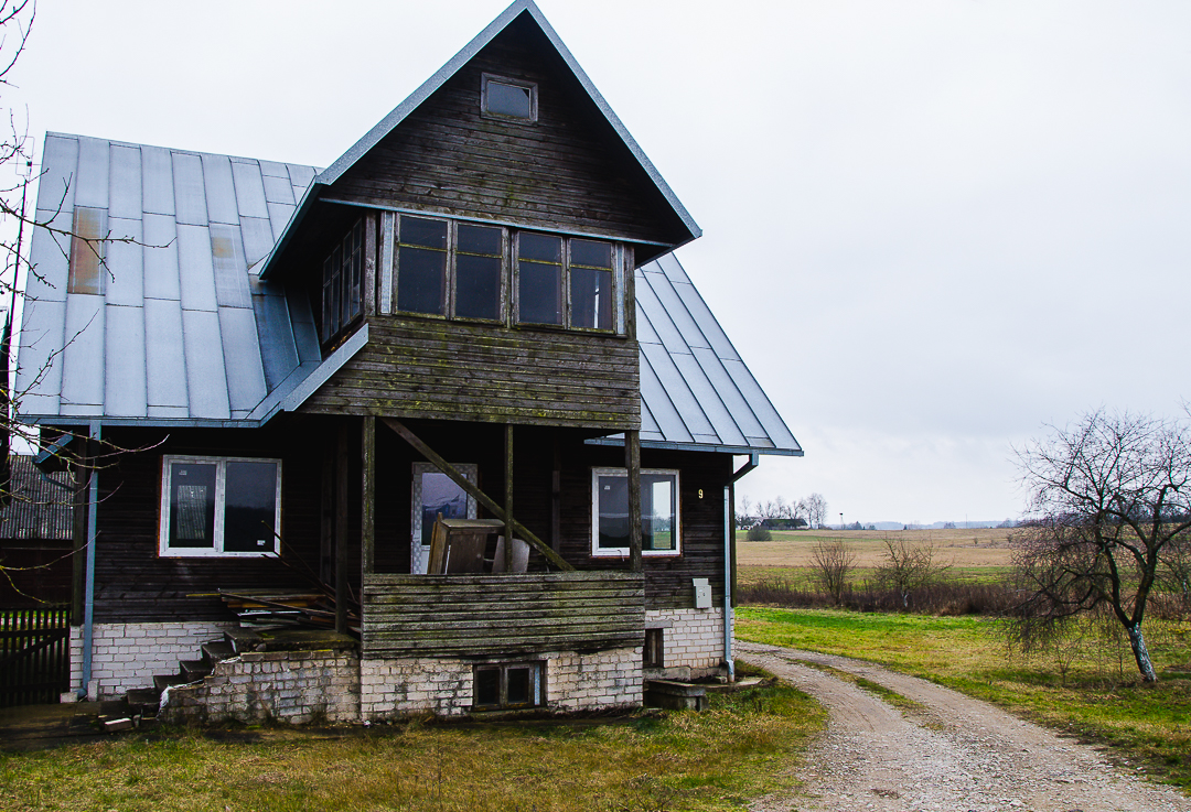 Alytaus raj., Jurgiškių kaimas - namas su mansarda (213 kv. m.)